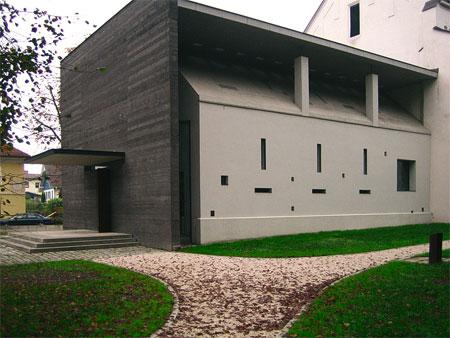 Autobahnkirche Dolina, 1999